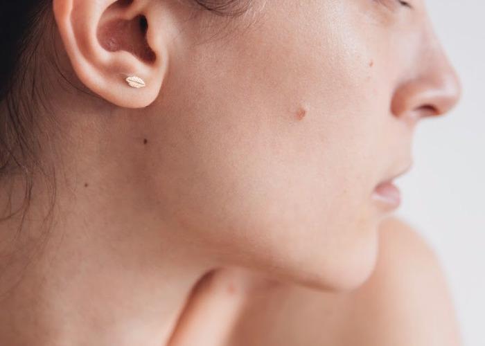 女性の肌のアップ